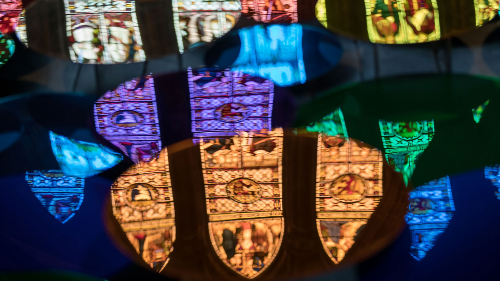 Liz-West-Art-Installation-Chester-Cathedral—coloured-discs